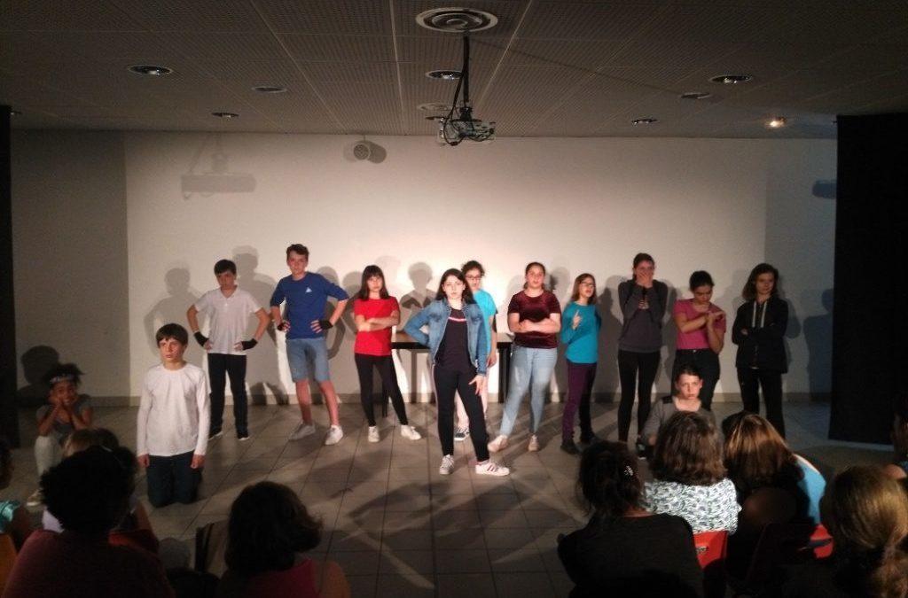 Ados !- Photos de la représentation de l'atelier théâtre – 18 juin